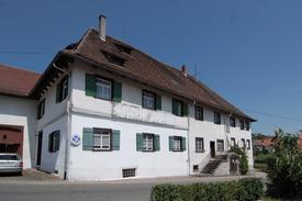Blick auf Südseite. Im Vordergrund untersuchte westl. Gebäudehälfte. / Ehem. Salemer Klosterhof in 78354 Sipplingen (16.07.2015)