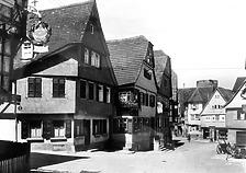 Eckgebäude links im Bild / Wohn- und Geschäftshaus in 74354 Besigheim (Stadtarchiv Besigheim)