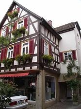 Ansicht von Südosten, Café Hirsch / Wohn- und Geschäftshaus in 74354 Besigheim (03.07.2016 - Denkmalpflegerischer Werteplan, Gesamtanlage Besigheim, Regierungspräsidium Stuttgart)