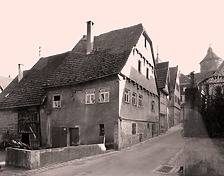 Nordwestseite um 1930 / Wohn- und Geschäftshaus in 74354 Besigheim (Stadtarchiv Besigheim)