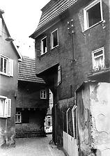 Durchgang zum Marktplatz, rechts Nr. 8 / Wohn- und Geschäftshaus in 74354 Besigheim (Stadtarchiv Besigheim)
