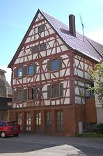 Nordwestansicht vor der Insatndsetzung. / ehemaliges Gasthaus zum Lamm in 74229 Oedheim (28.08.2012)