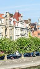 """Teilausschnitt der Ansicht Seestraße / Wohnhaus in 78464 Konstanz (30.08.2013 - Dieser Fotoausschnitt basiert auf dem Foto """" DSC_2463.jpg"""" aus der freien Enzyklopädie Wikipedia und steht unter der Lizenz Creative Commons Attribution-Share Alike 2.0 Germany (http://creativecommons.org/licenses/by-sa/2.0/de/deed.en).  Autorennachweis: Luca Casartelli  URL:https://commons.wikimedia.org/wiki/File%3ALake_Constance_(9643760137).jpg )"""