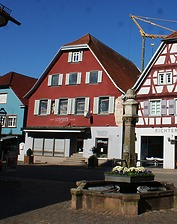 Wohn- und Geschäftshaus in 77736 Zell am Harmersbach (Burghard Lohrum)