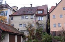 Gesamtansicht von Süden (Rückseite) mit dem zweigeschossigen jüngeren Vorbau. / Wohnhaus, ehem. Gasthaus zum Stern in 74594 Langenburg (11/2017 - Stefan Uhl)