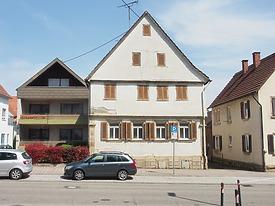Wohnhaus, Heilbronner Str. 39, Leingarten, Südansicht / Wohnhaus in 74211 Leingarten,  keine genauere Zuordnung (22.07.2016)