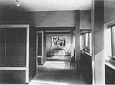 Innenansicht des 1. OG mit den festen Bettschränken. (aus: Alfred Roth: Zwei Wohnhäuser von Le Corbusier und Pierre Jeanneret, Stuttgart 1927, S. 41) / Doppelwohnhaus, Le Corbusier / Pierre Jeanneret in 70191 Stuttgart, Stuttgart-Nord