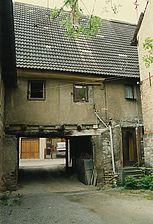 Adelsheim, Pfarrgasse 1; Ansicht Hof / Wohnhaus mit Scheune in 74740 Adelsheim