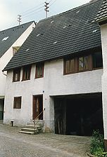 Adelsheim, Pfarrgasse 1; Ansicht Straße / Wohnhaus mit Scheune in 74740 Adelsheim