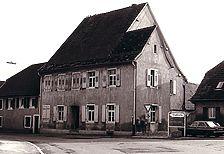 Bilder entnommen von http://www.alemannia-judaica.de / Blaues Haus in 79206 Breisach am Rhein