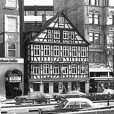 Ansicht von West, um 1976 (Vorlage Stadtmessungsamt Stuttgart) / Gaststätte Drei Mohren in 70174 Stuttgart, Stuttgart-Mitte