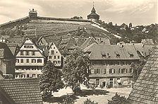 Nordrand des Hafenmarkts um 1971. Beim giebelständigen Haus am linken Bildrand handelt es sich um Hafenmarkt 5. / Wohn- und Geschäftshaus in 73728 Esslingen am Neckar