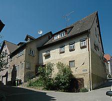 Im Vordergrund das Gebäude Schmiedgasse 15, links dahinter das Gebäude Schmiedgasse 13 / Wohnhaus in 74653 Ingelfingen