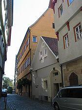 Straßenseitige Ansicht (hinterer Bildbereich) des Gebäudes Webergasse 22  / Wohngebäude in 73728 Esslingen am Neckar