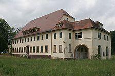Niefern-Öschelbronn, Bohnenbergerstraße 15, Verwaltungsgebäude der Papierfabrik, Ansicht Ost / Verwaltungsgebäude der Papierfabrik in 75233 Niefern-Öschelbronn