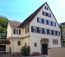 Nordostansicht, August 2007. Foto: Dietmar Hencke (StadtA SHA Server Häuserlexikon) / Ehemaliges Stadtpfarrhaus in 74523 Schwäbisch Hall