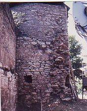 Seeturm, Nordseite, mit Resten der Verzahnung der älteren Stadtmauer. / Stadtmauer am Seeturm in 97996 Niederstetten