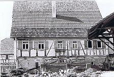 Ostansicht zum Hof / Fachwerkgebäude in 73669 Lichtenwald - Thomashardt