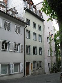 Konstanz, Klostergasse 3 (in der Mitte) (Schoenenberg 2008) / Wohnhaus in 78462 Konstanz