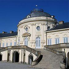 Blick auf die Südfassade des Hauptgebäudes / Schloß Solitude, Schloßanlage in 70197 Stuttgart, Solitude