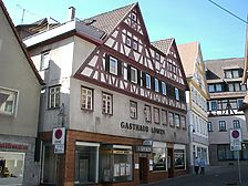 Ansicht des Gebäudes von Nordosten (2007) / ehem. Gasthaus Löwen in 71229 Leonberg