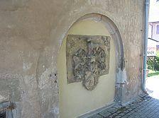 Im alten Kellerabgang vermauerter Wappenstein der Familie von Anweil 1592 (i) / ehem. Schloss in 71159 Mötzingen