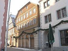 Ansicht des Gebäudes von Nordosten (2009) / Wohn- und Geschäftshaus in 97980 Bad Mergentheim