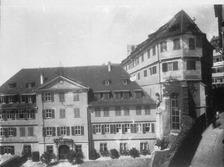 Ev. Stfit, Ansicht vom Klosterberg, Blick in den Außenhof mit Ostflüge und Kapelle rechts (1925/26) / Ehemaliges Augustinerkloster Alter und Neuer Bau in 72070 Tübingen (Bildindex Foto Marburg (mi13505b03a))