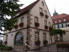 Ansicht von Westen / Schulgebäude, ehemalige Pfründscheuer in 74354 Besigheim (Denkmalpflegerischer Werteplan, Gesamtanlage Besigheim, Regierungspräsidium Stuttgart)