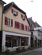 Wohn- und Geschäftshaus, Ansicht von Nordosten,  Urheber: Regierungspräsidium Karlsruhe, RPK, Ref. 26 / Wohn- und Geschäftshaus in 75015 Bretten