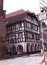 sog. Haus Strasser , Wohn- und Geschäftshaus, Ansicht von Nordosten, Urheber: Crowell, Barbara und Robert (Architekturbüro)  / sog. Haus Strasser in 75015 Bretten
