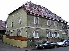 ehem. landwirtschaftliches Anwesen, Wohnhaus, Ansicht von Nordosten, Urheber: Regierungspräsidium Karlsruhe, RPK, Ref. 26 / Ehem. landwirtschaftliches Anwesen in 76327 Pfinztal-Söllingen