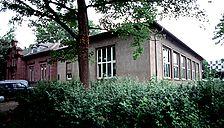 Ansicht von Südwest, 2003, Urheber: Baden-Baden, Staatl. Hochbauamt (Abteilung) / Bibliotheksanbau in 76133 Karlsruhe, Innenstadt-West
