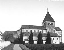 Aufnahme von Südwest, 1981 / Pfarrkirche St. Georg in 78479 Reichenau, Oberzell