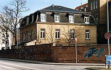 Isoliergebäude der Neuen Medizinischen Klinik, Geb.-Nr. 4200, Ansicht von Nordwesten,  Urheber: Regierungspräsidium Karlsruhe, RPK, Ref. 26   / Isoliergebäude der Neuen Medizinischen Klinik, Geb.-Nr. 4200 in 69115 Heidelberg-Bergheim
