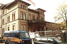 Wohn- und Geschäftshaus, Ansicht von Nordosten, Urheber: Vaculik, Hubert (Restaurator) / Wohn- und Geschäftshaus in 69115 Heidelberg-Weststadt