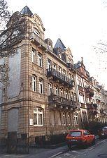 Wohn- und Geschäftshaus, Ansicht von Nordwesten,  Urheber: Bertolino, Lothar (Freier Architekt)  / Wohn- und Geschäftshaus in 69117 Heidelberg-Altstadt