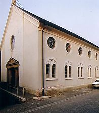 1987 nach der Restaurierung   / Ehemalige Synagoge in 79295 Sulzburg, Laufen (Sammlung Hahn, Fotos: R. Rasemann, http://www.alemannia-judaica.de/sulzburg_synagoge.htm)