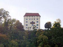Obrigheim, Schloss Neuburg, Ansicht O Quelle: www.burgen-und-schloesser.net / Schloss Neuburg in 74847 Obrigheim