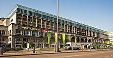 Schrägansicht der Hauptfassade, Rose Hajdu 2006  / ehem. Hindenburgbau in 70173 Stuttgart, Stuttgart-Mitte