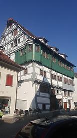 Südostansicht / Sog. Großes Haus, heute Stadtbücherei in 89143  Blaubeuren (25.03.2018 - Christin Aghegian-Rampf)