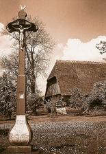 Kreuz des ehemaligen Specksepplehofs auf dem Sulgen  (2. Hälfte 20. Jh.) (Stadtarchiv) / Specksepplehof in Sulgen (Erich Dierberger, Rottenburg a.N. (Stadtarchiv Schramberg))