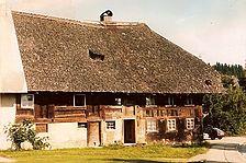 Hausansicht Südosten vor der Sanierung 1986 / Bühlhof in 78141 Schönwald, Auf'm Bühl