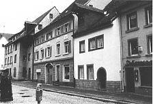 Gerberstrasse 17-21, Fassade zur Gerberstraße / Wohnhaus, Gerberstraße 15-21 in 78050 Villingen (22.03.1992 - Lohrum, Bertram Jenisch)