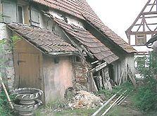 Anbauten an der Ostseite noch in Aichelau (2003) / Annexbauten am Haupthaus (Hofanlage Aichelau) in 72539 Aichelau (01.04.2003 - Hans-Jürgen Klose)