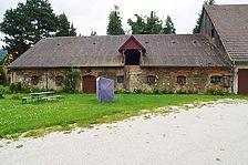 Nordfassade ehem. Kuhstall Dotternhausen / Schloss Dotternhausen, ehem. Kuhstall in Dotternhausen (04.08.2011 - Hermann (2011))