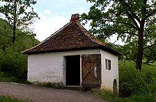 Wasch- und Backhaus aus Sielmingen im FLM Beuren / Wasch- und Backhaus aus Sielmingen in 70794 Sielmingen (http://www.freilichtmuseum-beuren.de/museum/rundgang/back--und-waschhaus-aus-sielmingen/)