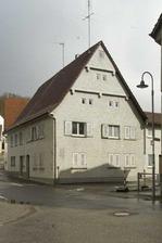 Ansicht von Nordwesten (2012) / Doppelwohnhaus Bergstraße 6 in 71287 Weissach - Flacht (11.05.2012 - M. Hermann)