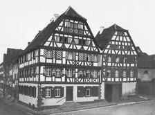 Ansicht gegen Südost (1904) / Wohn- und Geschäftshaus (Alte Post) in 75031 Eppingen (01.01.1904 - LAD Baden-Württemberg, Außenstelle Karlsruhe, Microfiche-Scan mi05209f10)