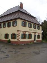 Ansicht von Südosten / Gasthof Neuhaus in 72355 Schörzingen (07.08.2013 - Michael Hermann)